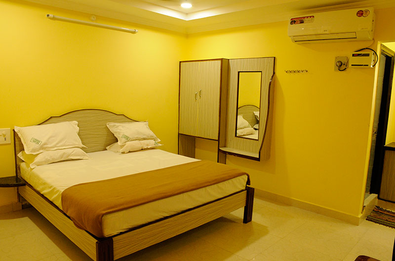 Book Deluxe Double A/C Room at Sujan Residency, Tirupati